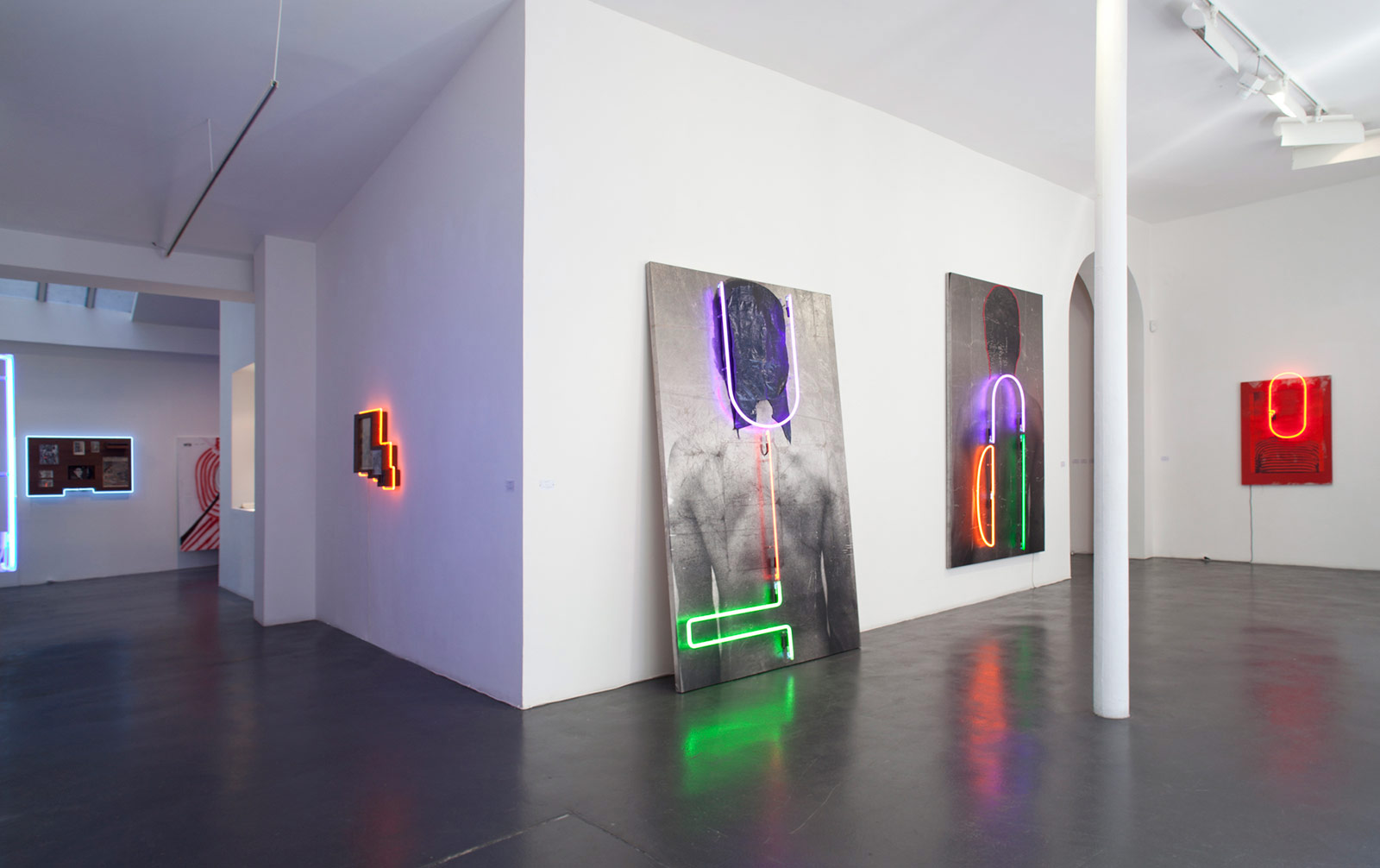 13 brook andrew 2016 the forest installation view