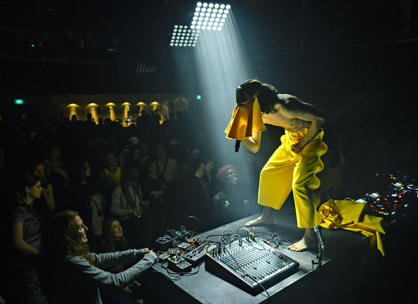 Violence at paradiso noord  tolhuistuin. sonic acts academy 2018. credits pieter kers